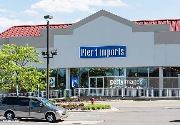 pier 1 imports - commercial dock stock pictures, royalty-free photos & images