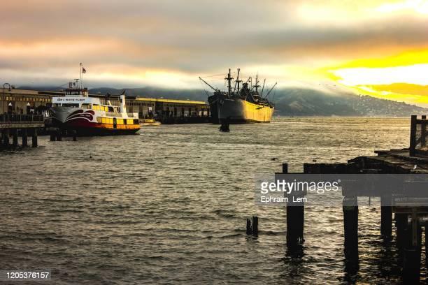 pier 39 - ephraim lem stock pictures, royalty-free photos & images