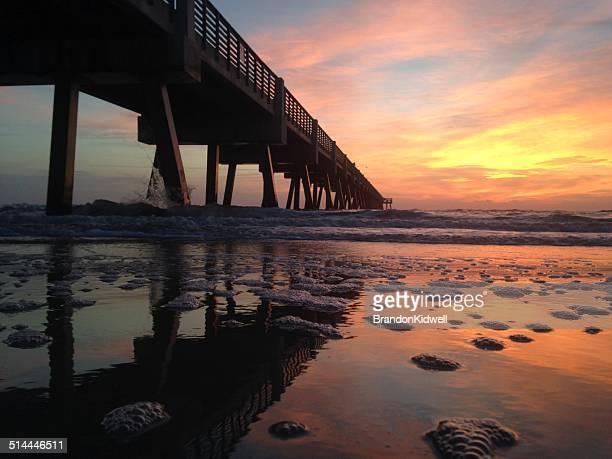 pier at sunset, jacksonville beach, florida, america, usa - jacksonville florida stock-fotos und bilder