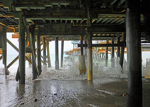 Pier splash 1153270732