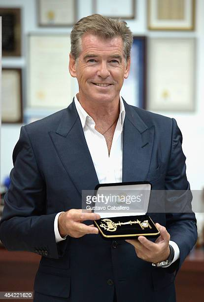 Pierce Brosnan is made an honorary member of The Brigade and receives a key to the City of Miami while in town to promote his film The November Man...