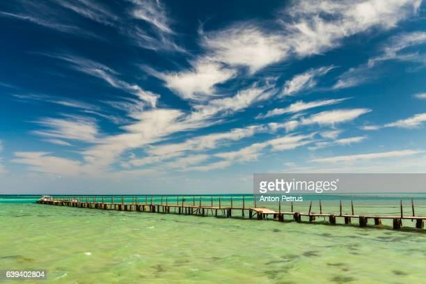 pierce in the red sea, hurghada, egypt - sharm el sheikh foto e immagini stock