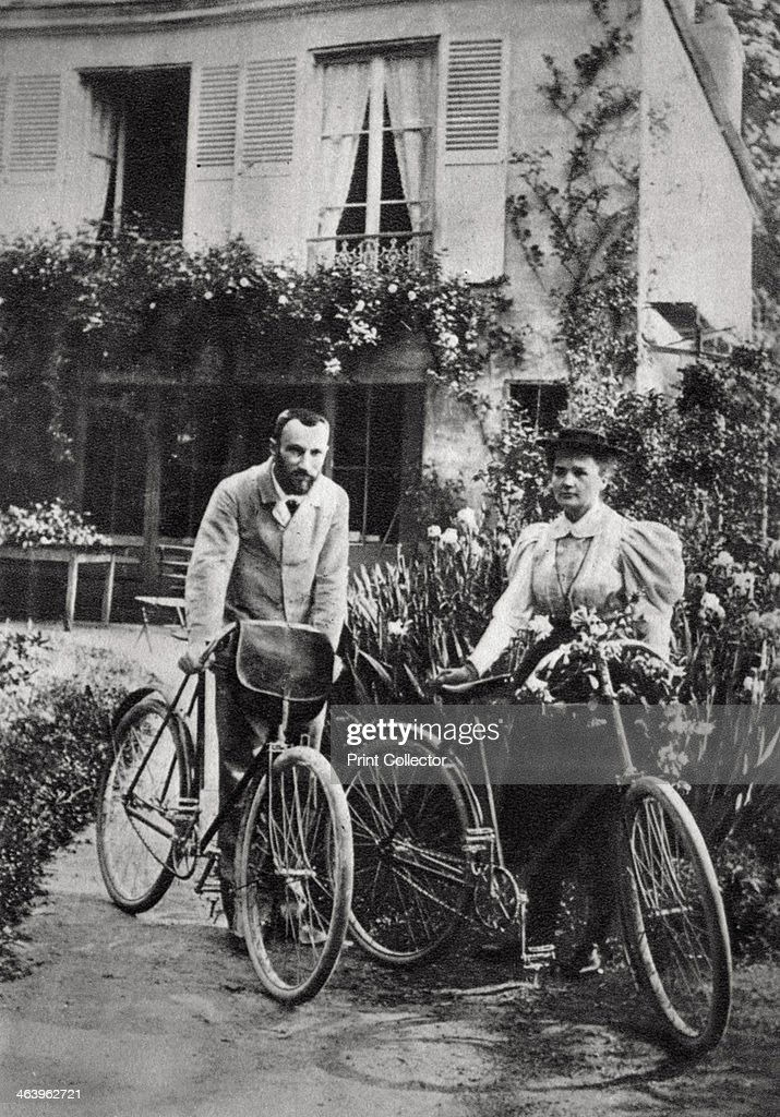 Pierre and Marie Curie, French physicists, 1906. : News Photo