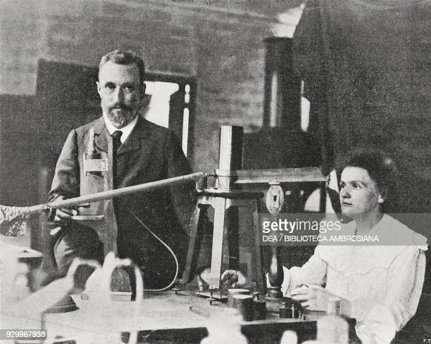 Pierre and Marie Curie in their laboratory, photograph by Adolfo Croce, from L'Illustrazione Italiana, Year XXXIII, No 16, April 1906.