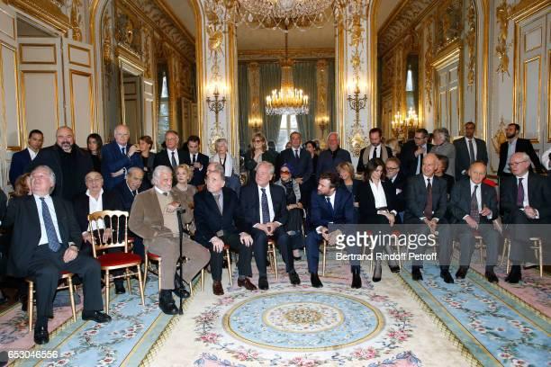 Pierre Benichou JeanPaul Belmondo Myriam Colombi Claude Brasseur Christian Cambon Countess Albina du Boisrouvray Alexandre Brasseur his wife Juliette...