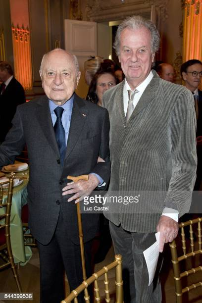 Pierre Berge et Jacques Grange attend the Dinner of the 'Societe des Amis des Musees d'Orsay et de l'Orangerie' on April 04 2016 in Paris France