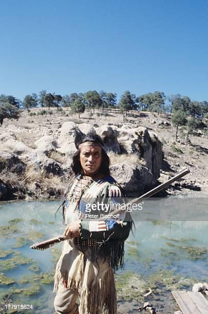Pierre Brice ARDSerie Mein Freund Winnetou vom französischen Fernsehen Antenne 2 Folge 1 Blut und Sand Durango Mexiko Mittelamerika Amerika Fluss...