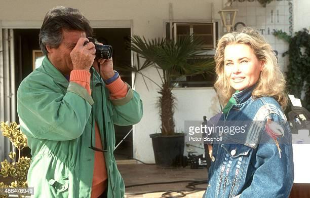 Pierre Brice Ehefrau Hella am Rande der Dreharbeiten zum ZDFSpecial 'Mallorca Liebe inbegriffen' am Palma de Mallorca Insel Mallorca Spanien
