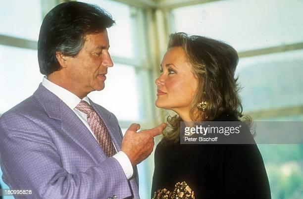 Pierre Brice Ehefrau Hella Brice Homestory Landsitz nahe Paris Frankreich Europa Ehepaar Prominente Schauspieler dah