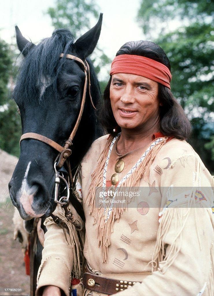 """Pierre Brice (als """"Winnetou""""), Pferd """"Juanito"""", """"Karl May-Film"""": : Nachrichtenfoto"""