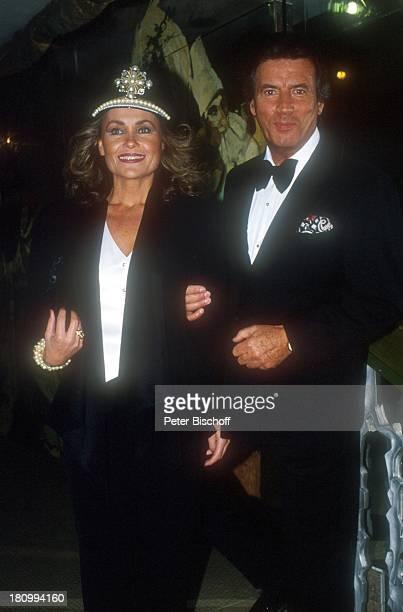 Pierre Brice und Ehefrau Hell Brice 'Deutscher Filmball 1992' München Bayern Deutschland Europa Hotel 'Bayerischer Hof'dah