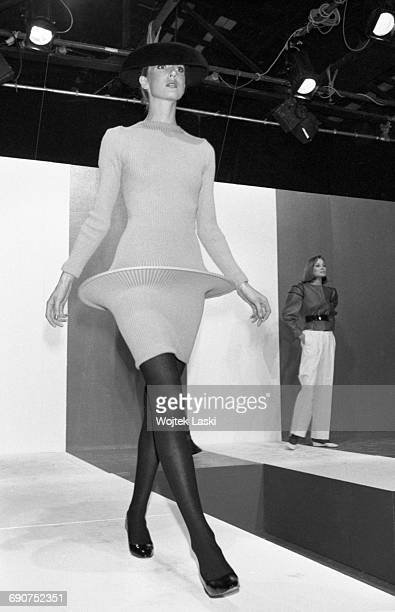 Pierre Cardin fashion show in Paris, France, on 17th September 1981. Pictured: a model in clothes designed by Pierre Cardin.