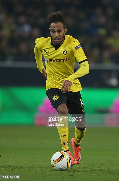 Pierre Emerick Aubameyang of Dortmund runs with the ball during the UEFA Europa League Round of 16 first leg match between Borussia Dortmund and...
