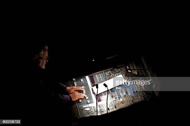 Pierre Henry in the console during its concert in the Multitelephonies of the GRM
