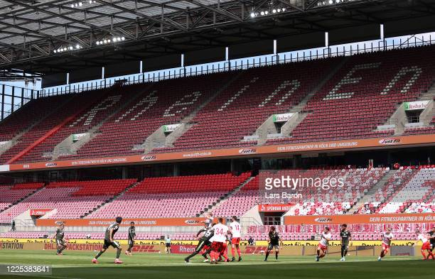 Pierre Kunde Malong of FSV Mainz 05 performs a free kick during the Bundesliga match between 1 FC Koeln and 1 FSV Mainz 05 at RheinEnergieStadion on...