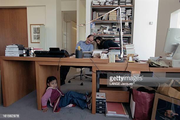 Last Visit In His Office Of Canal Before His Eviction Day Le dimanche 21 avril 2002 Pierre LESCURE fait un dernier saut à son bureau en compagnie de...