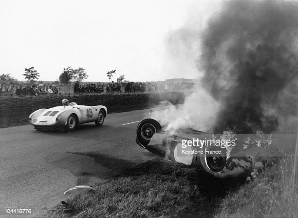 Pierre LEVEGH's Mercedes crashed during the 24 hours du Mans race on June 11 1955