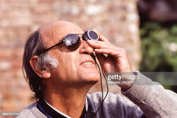 Pierre Lhomme directeur de la photo lors du tournage du film 'Le Baptême' en juin 1989 France