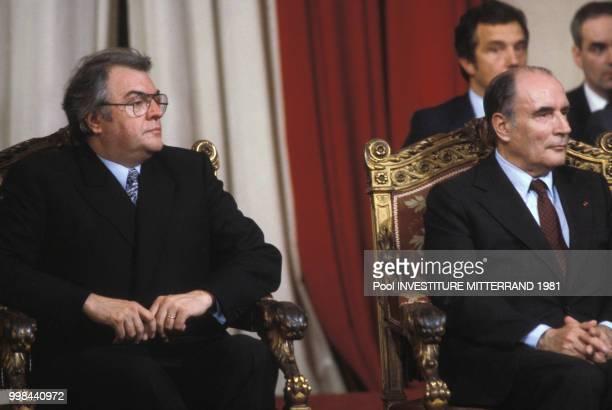 Pierre Mauroy et François Mitterrand lors de l'investiture de ce dernier comme président de la République au palais de l'Elysée le 21 mai 1981 à...