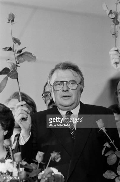 Pierre Mauroy, nouveau premier ministre, prononce un discours à Lille le 24 mai 1981, France.