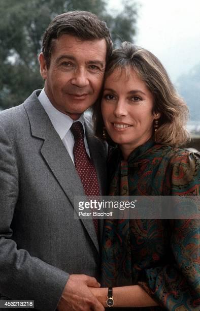"Pierre Michael, Josephine Chaplin in 20-teiliger ARD/ORF-Serie ""In bester Gesellschaft"" am in Como am Comer See, Italien."