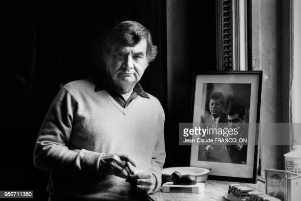 Pierre Salinger, ancien chef du service de presse du Président John Kennedy, chez lui dans son château de Touraine en octobre 1983, France.