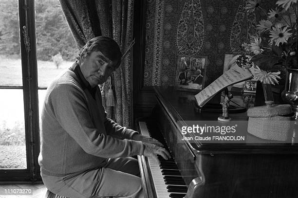 Pierre Salinger playing piano in his castle in Touraine, France on October 01, 1983.