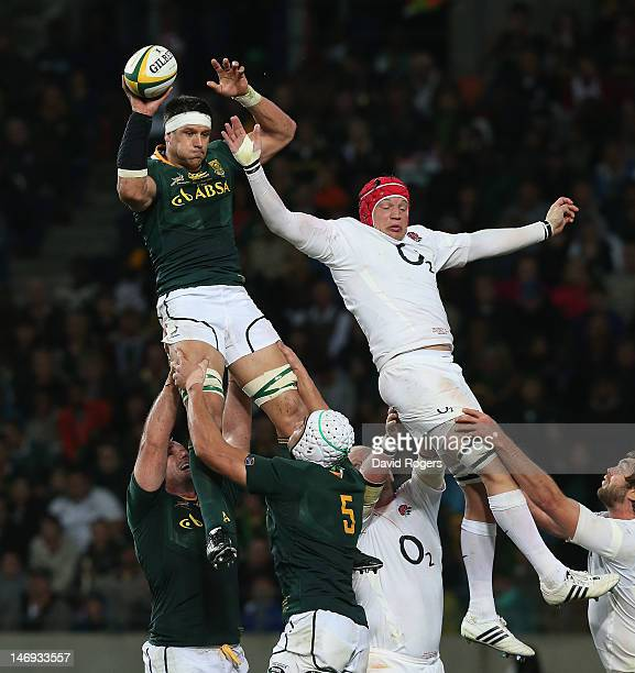 Pierre Spies of South Africa outjumps Tom Johnson in the lineout during the third test match between the South Africa Springboks and England at the...