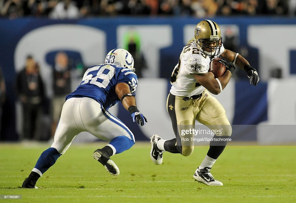 Pierre Thomas #23 of the New Orleans Saints rushes against the Indianapolis Colts in Super Bowl XLIV on February 7, 2010 at Sun Life Stadium in Miami Gardens, Florida.