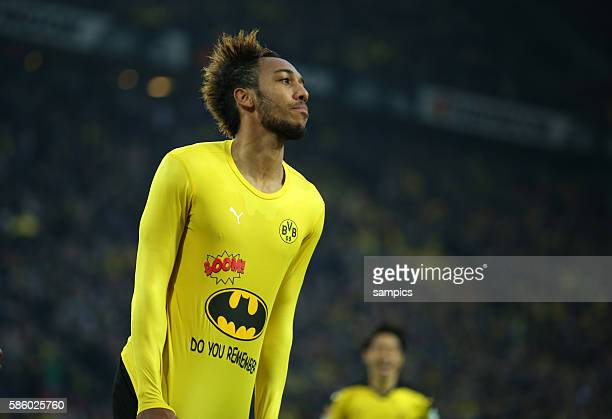 PierreEmerick Aubameyang bejubelt sein Tor zum 31 mit Batman tShirt do you remember Fussball Bundesliga Borussia Dortmund FC Schalke 04