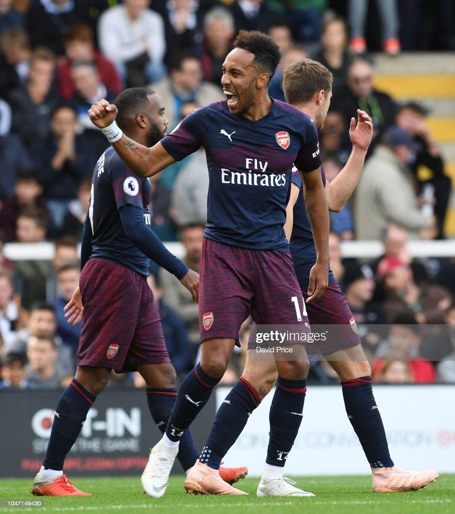 Fulham FC v Arsenal FC - Premier League : Nachrichtenfoto
