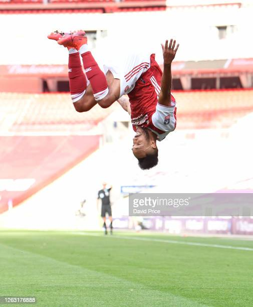 Pierre-Emerick Aubameyang celebrates scoring Arsenal's 2nd goal during the FA Cup Final match between Arsenal and Chelsea at Wembley Stadium on...