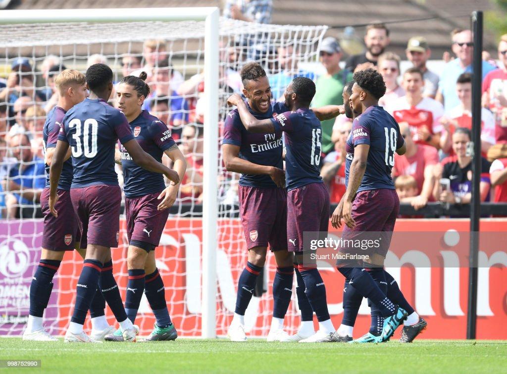Borehamwood v Arsenal: Pre-Season Friendly : ニュース写真