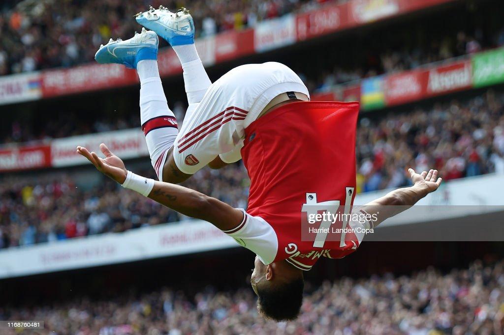 Arsenal FC v Burnley FC - Premier League : ニュース写真