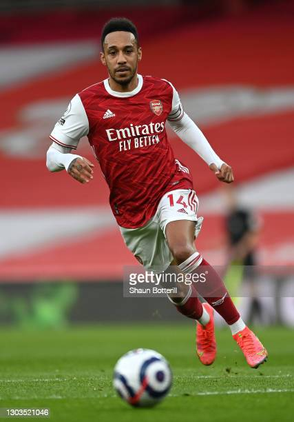 Pierre-Emerick Aubameyang of Arsenal chases the ball during the Premier League match between Arsenal and Manchester City at Emirates Stadium on...
