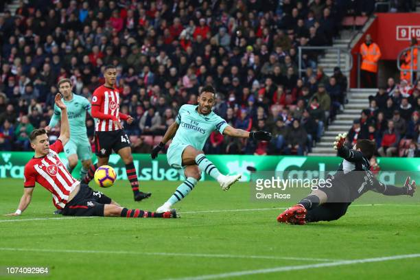 PierreEmerick Aubameyang of Arsenal misses a chance during the Premier League match between Southampton FC and Arsenal FC at St Mary's Stadium on...