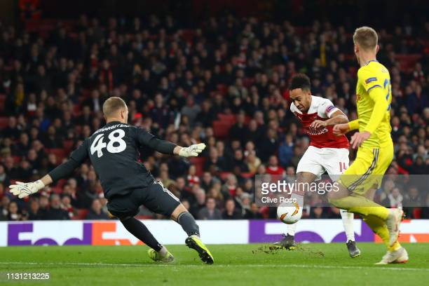 PierreEmerick Aubameyang of Arsenal misses a chance during the UEFA Europa League Round of 32 Second Leg match between Arsenal and BATE Borisov at...