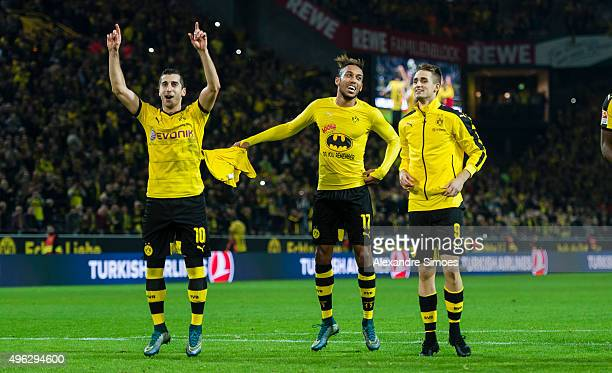 PierreEmerick Aubameyang of Borussia Dortmund celebrates the win after the final whistle during the Bundesliga match between Borussia Dortmund and FC...