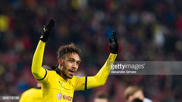 PierreEmerick Aubameyang of Borussia Dortmund celebrates the winning goal during the DFB Cup match between VfB Stuttgart and Borussia Dortmund at...