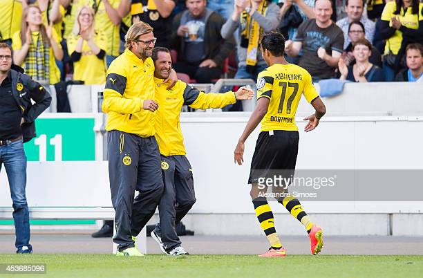 PierreEmerick Aubameyang of Dortmund celebrates with his teammates after scoring his team's second goal of Dortmund with Head coach Juergen Klopp l...