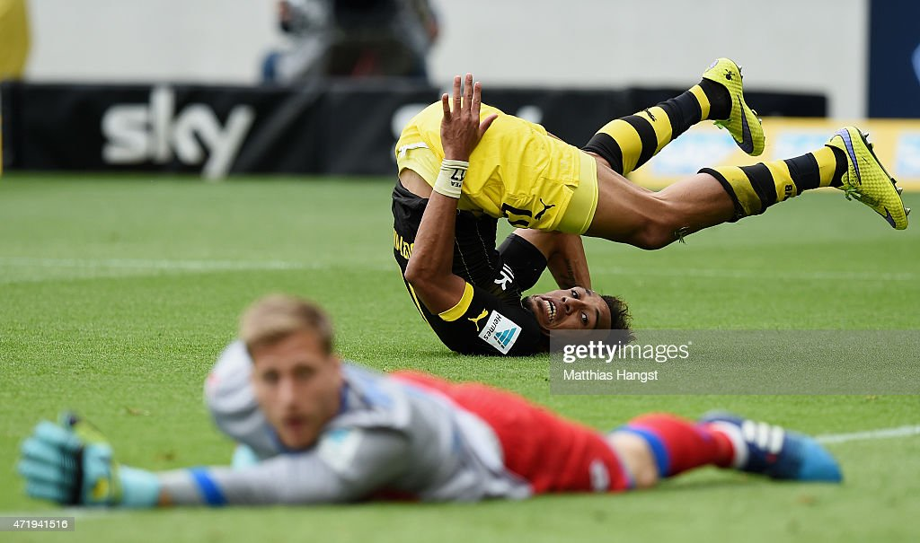 Pierre-Emerick Aubameyang of Dortmund looks for the ball after he missed to score against goalkeeper Oliver Baumann of Hoffenheim during the Bundesliga match between 1899 Hoffenheim and Borussia Dortmund at Wirsol Rhein-Neckar-Arena on May 2, 2015 in Sinsheim, Germany.