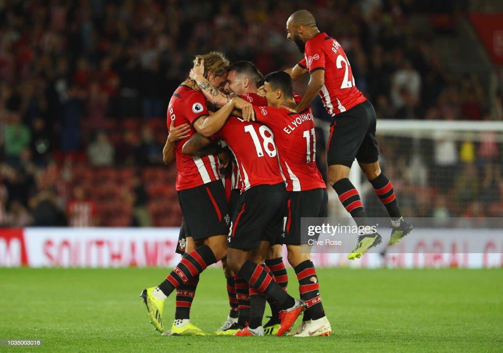 Southampton FC v Brighton & Hove Albion - Premier League : Nachrichtenfoto