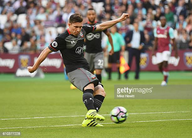 PierreEmile Hojbjerg of Southampton shoots during the Premier League match between West Ham United and Southampton at London Stadium on September 25...