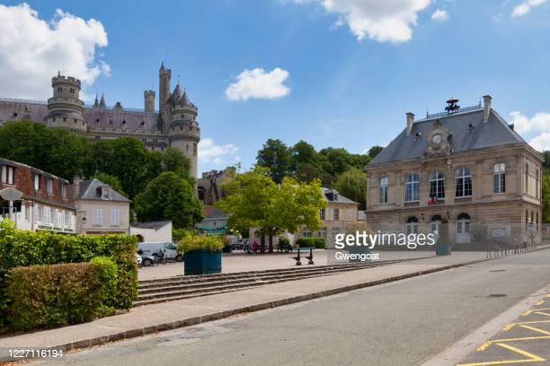 pierrefonds castle and the city hall - gwengoat stock pictures, royalty-free photos & images