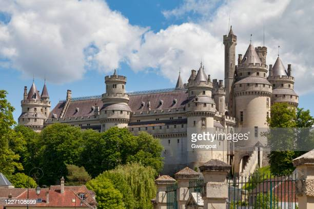 pierrefonds castle - gwengoat stock pictures, royalty-free photos & images