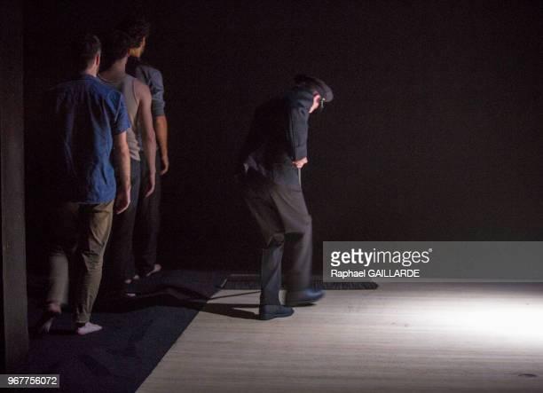 PierreLouis Calixte Jérémy Lopez Sébastien Pouderoux et Christophe Montenez de la troupe de la ComédieFrançaise interprètent la pièce 'Haute...