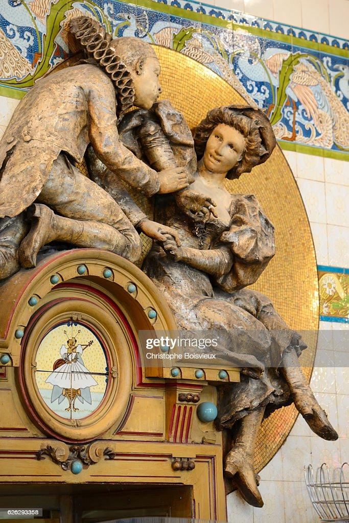 Pierrot Arlequin Statue In Brasserie La Cigale Stock Photo   Getty ...