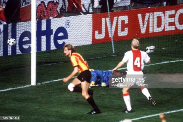 Piet den Boer, MECHELEN, SCORES WINNING GOAL AGAINST AJAX AMSTERDAM