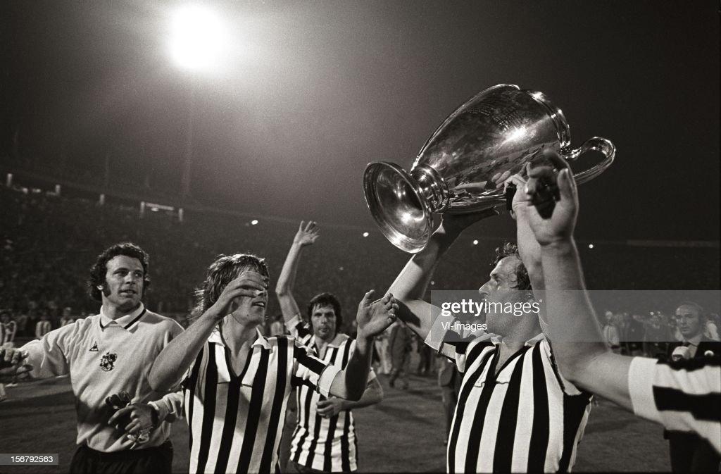 European Cup Final - Ajax v Juventus : News Photo