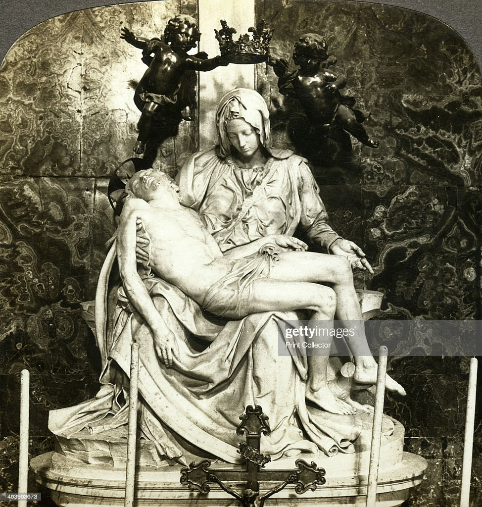 Pieta by Michelangelo, St Peter's Basilica, Rome, Italy.Artist: Underwood & Underwood : News Photo